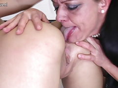 Ultra-kinky mature mother humps super-steamy lezzie nymph