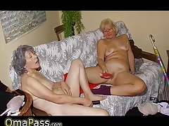 OmaPass Old lesbo  jacking pussy with