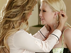 Samantha Rone and Cherie DeVille at Mommy's Damsel