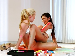 Samantha Rone and Taylor Reed Hottest Pals Forever