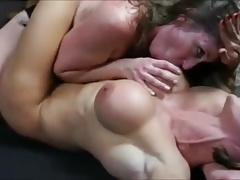 bodybuilder gets predominated by wrestler and made to jizz