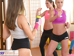 FitnessRooms Girl-on-girl  make each other jizm after gym
