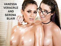Lezzie Vanessa Veracruz well-lubed up!