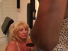 Mature  bodybuilder Insatiable Kat and black muscle Nadia