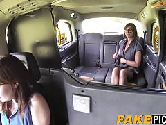 Mind-blowing Mummy  poked by her lesbian taxi driver