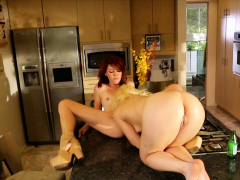 This super hot redhead sapphic girl loves to be in charge