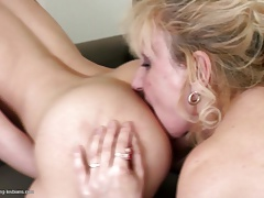 Old and youthful super-fucking-hot lezzie duo